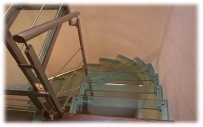scale in metallo e vetro