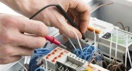 impianti elettrici civili e commerciali, installazione quadri elettrici, verifica funzionamento corrente