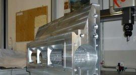 Grande elemento metallico