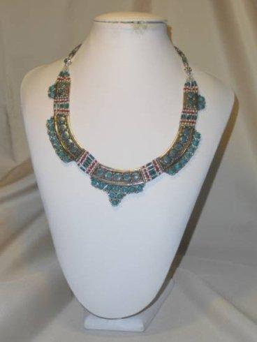 collana con pietre azzurre, collana in lapislazzuli e corallo