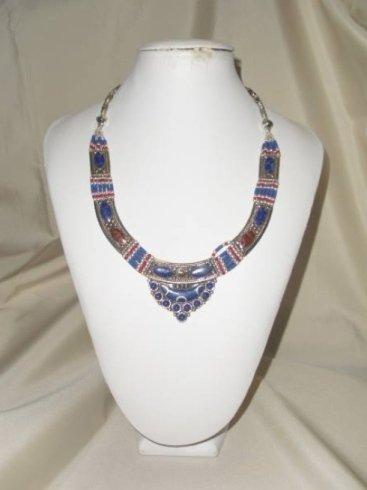 collier con pietre azzurre, collana con corallo