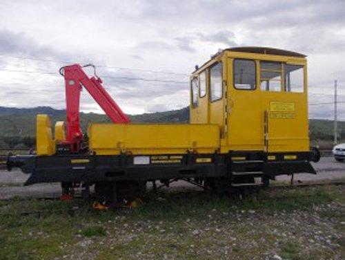 locomotore giallo e rosso