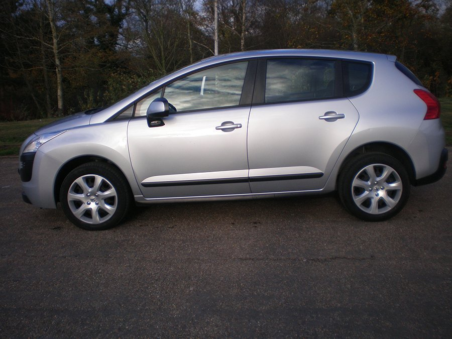 Peugeot 3008 1.6 HDi 112 Access service