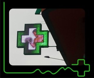 RGB OUTLINE 3D CROSS_2