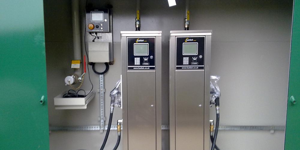 Refuelling tank installation