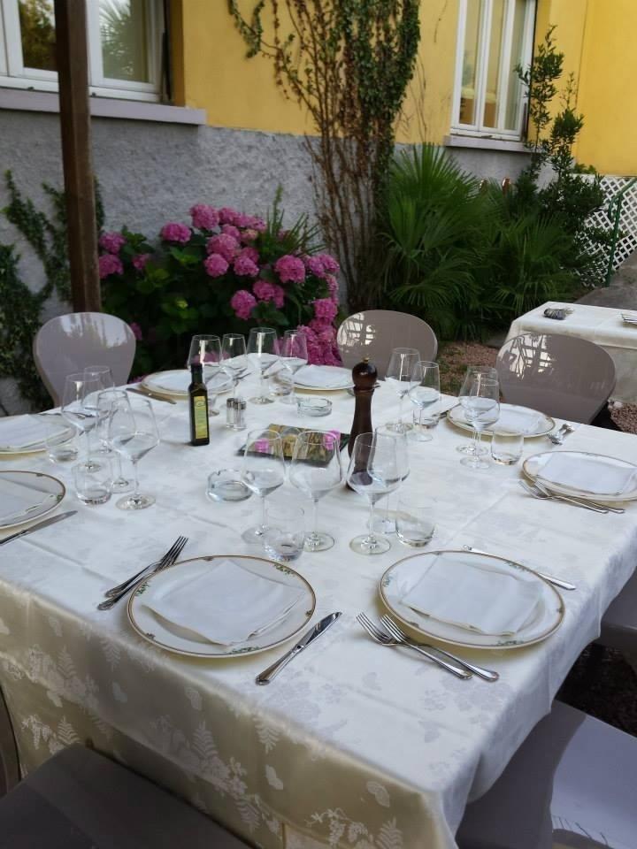 Tavoli per banchetto