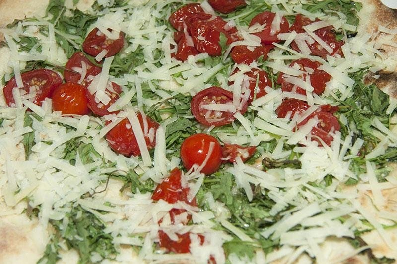 pizza rucola pomodoro