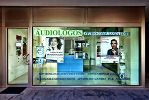 Audiologos Studio Consulenza Udito negozio esterno