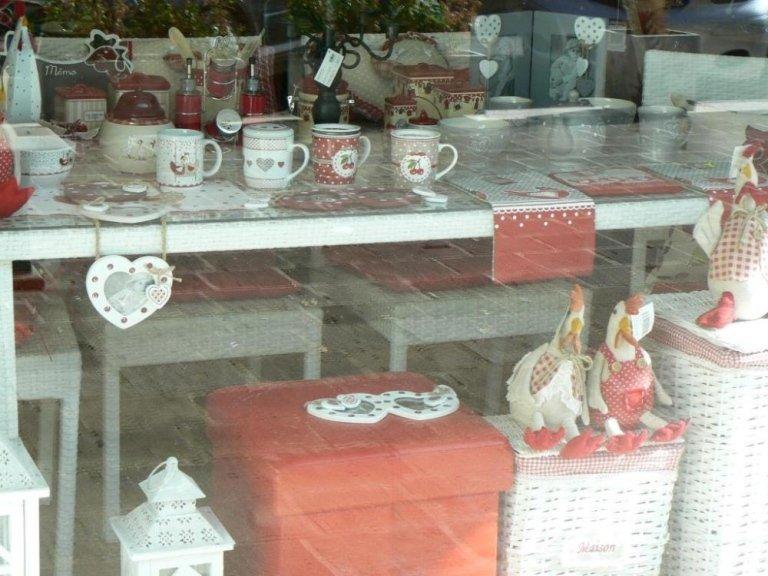 servizi di piatti, servizi di bicchieri, accessori per la tavola, Roma