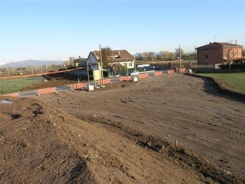 terreno pronto per costruzione