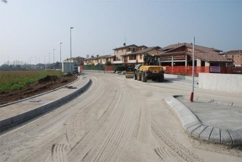 preparazione strada per posa asfalto