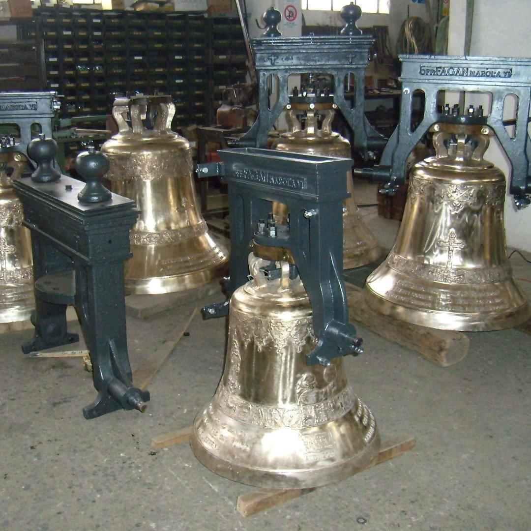 delle campane in bronzo
