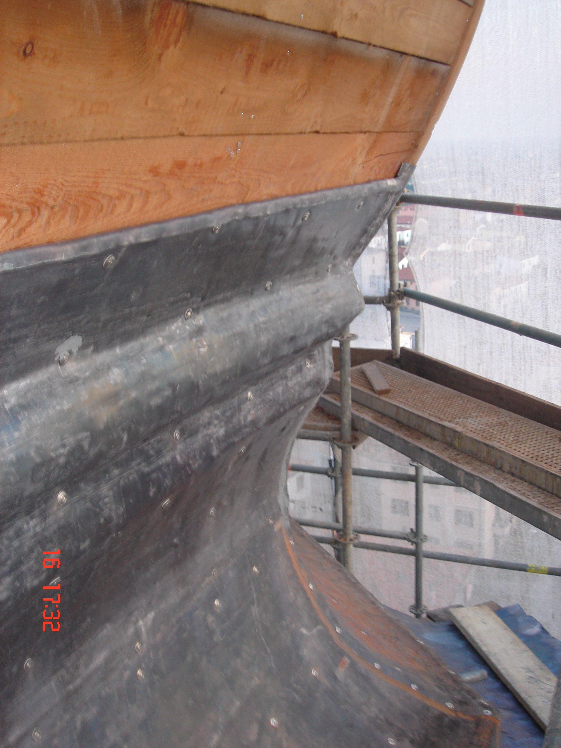 immagine angolare di un soppalco per manutenzione cuspide
