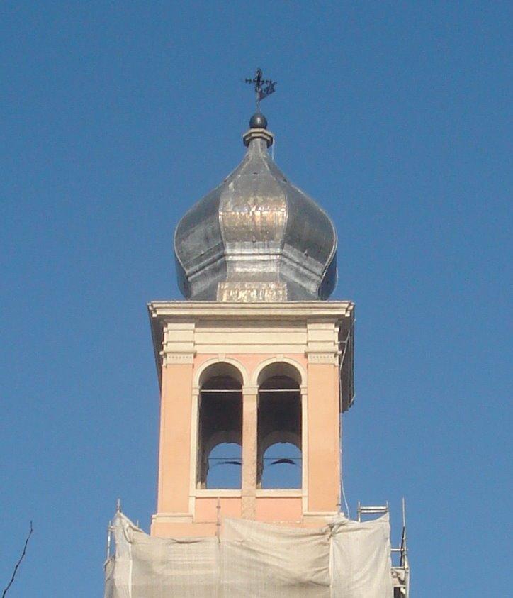 la punta di un campanile
