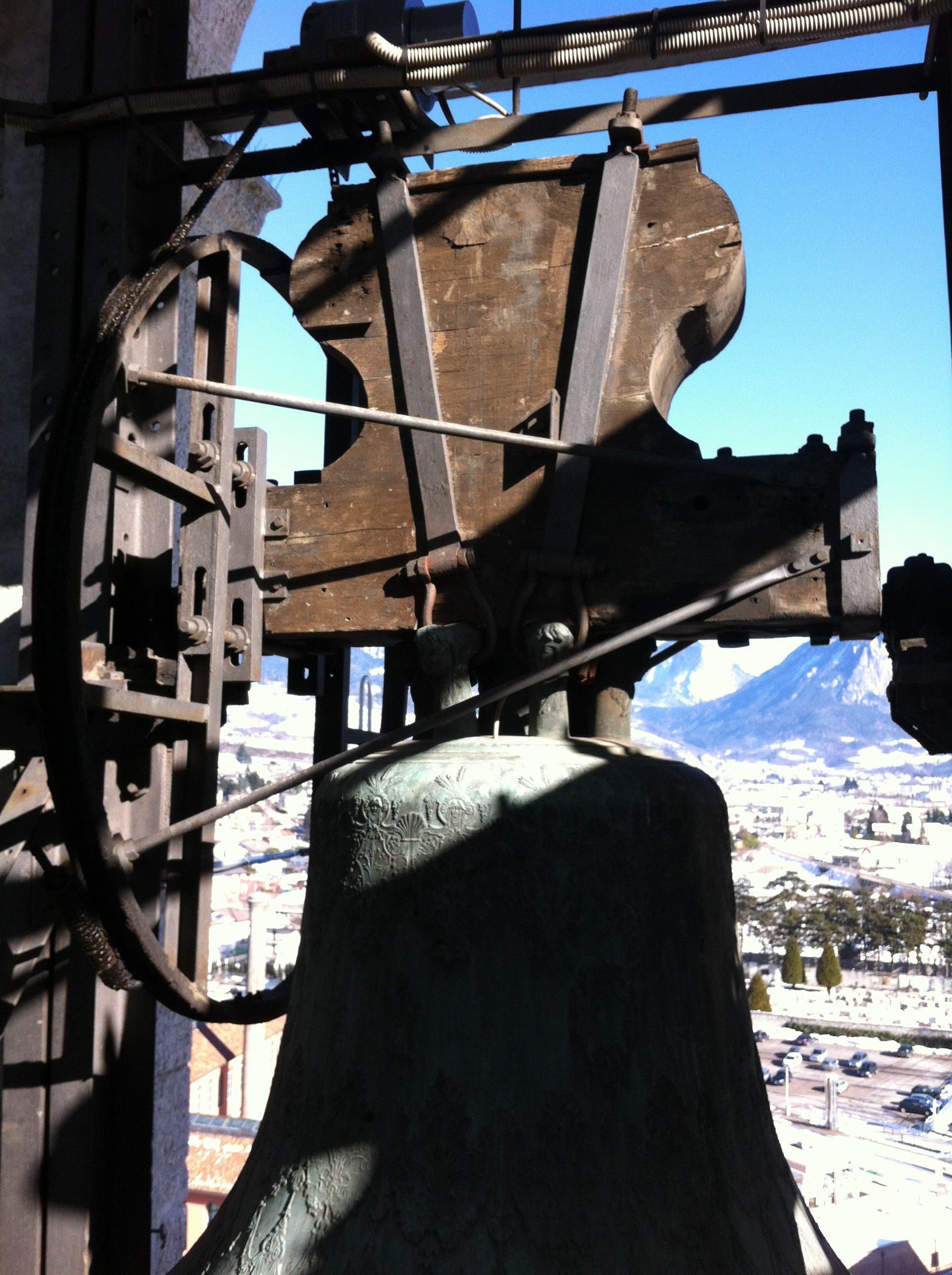 campana in una torre