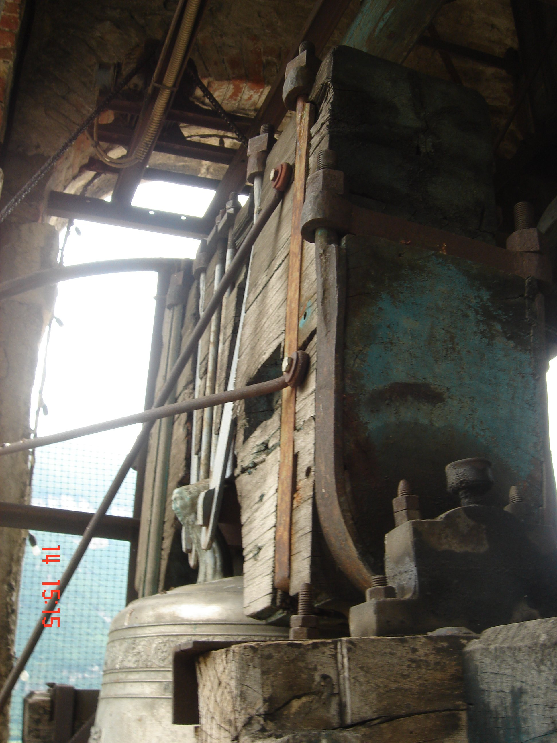 interno di una torre di un campanile