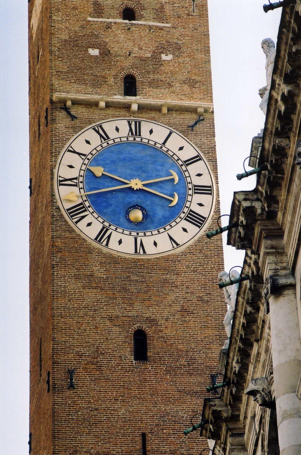 ingranaggi e ruote dentate per grandi orologi