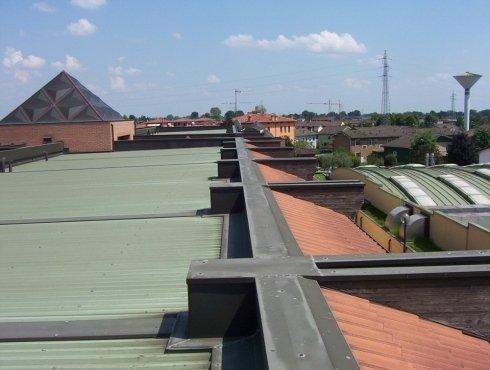 realizzazione di coperture in lamiera per terrazzi e balconi