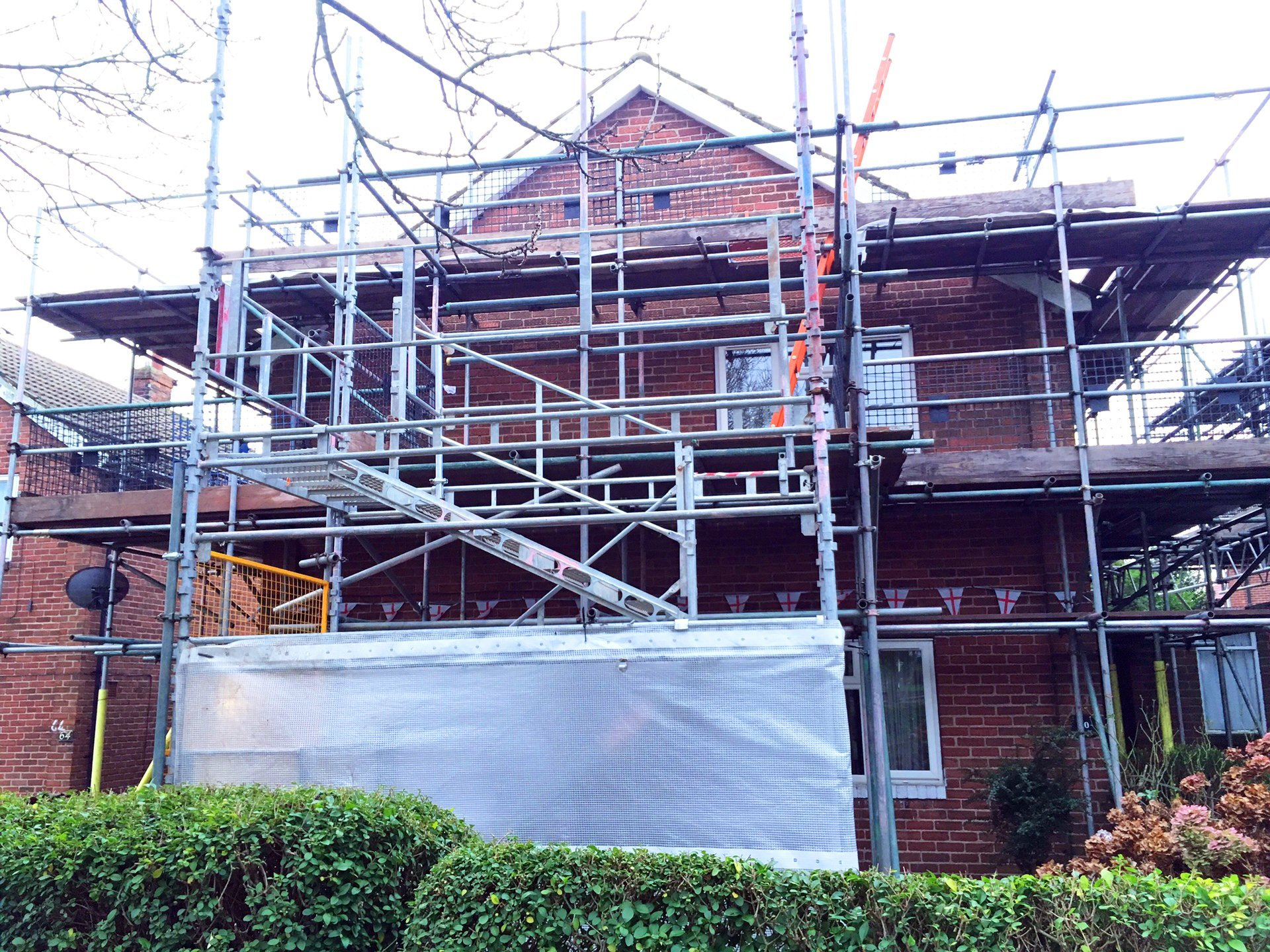 Scaffolding with steps