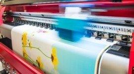 stampa di un catologo colorato