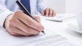 stesura contratti, consulenza societaria, contenziosi