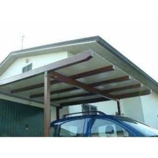Pergola con struttura in alluminio effetto legno e copertura in PVC