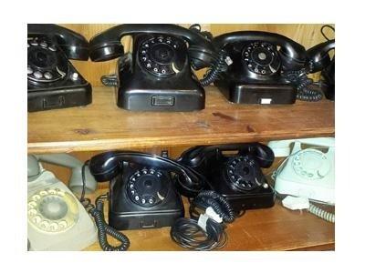 Vecchi telefoni