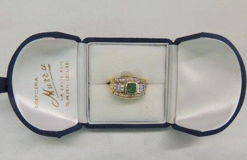 anello con smeraldo e brillanti, anello in oro giallo, anello di fidanzamento