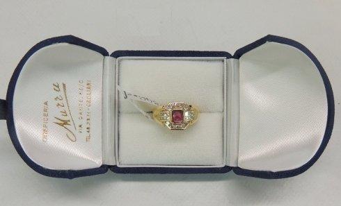 anello con rubino e brillanti, anello in oro giallo, anello di fidanzamento