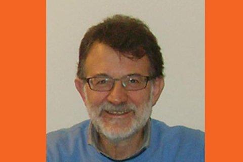DR. OSVALDO SALA. Laureato in Medicina e Chirurgia presso l'Università degli studi di Pavia Ha frequentato un Master di perfezionamento teorico-pratico-clinico in ORTODONZIA della durata di 3 anni presso il C.S.R.O. (Centro Studi e Ricerche di Ortodonzia ). Ha conseguito la Certificazione Invisalign per il trattamento ortodontico le mascherine trasparenti. Socio S.I.D.O.   (Società Italiana di Ortodonzia ) Socio S.I.O.B. (Società Italiana di Ortodonzia Bio-progressiva) Socio A.D.S.C.  ( Alexander Discipline Study Club) Ha frequentato numerosissimi corsi, fra I quali spiccano : Corso biennale di implantologia e protesi con i Dr. Billi Dr. Cudia e Dr.  Castellani Corso biennale di parodontologia con I Dr. Cortellini e Dr. Tonetti Corso annuale di gnatologia con il Dr. Modesti Corso annuale di protesi con il Dr. Castellani Costantemente aggiornato sulle più moderne tecniche come certificato dalla partecipazione ad annuali corsi e congressi.