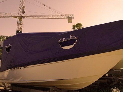 Coperture impermeabili per barche a motore