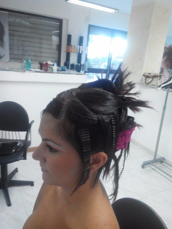 donna capelli castani