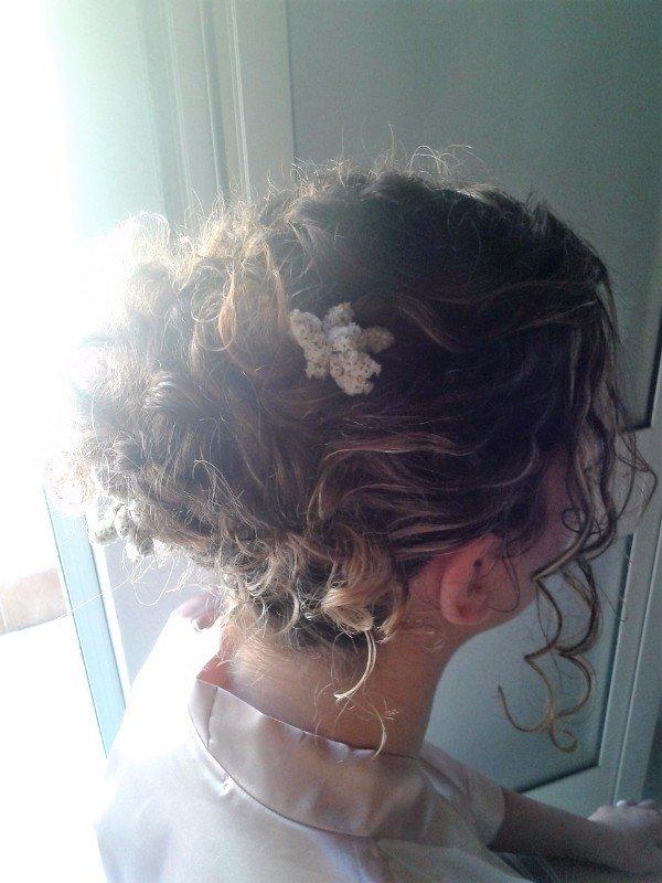 capelli biondi ondulati