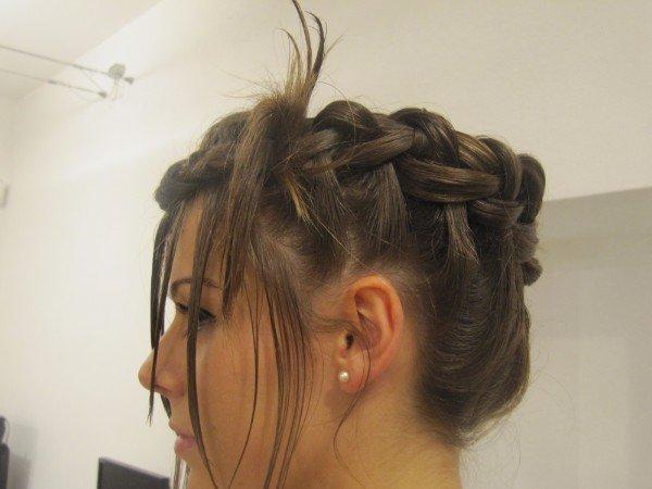 vista laterale treccia di capelli