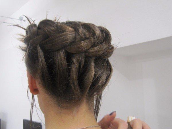 treccia di capelli a corona