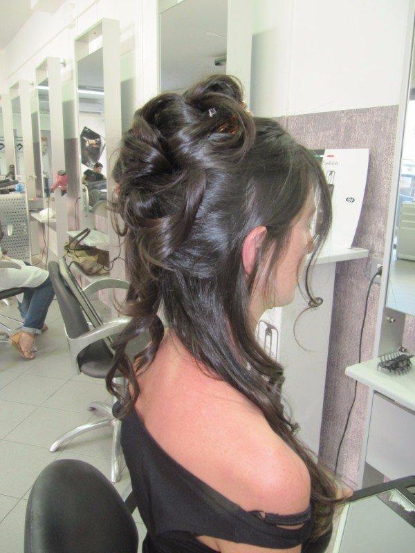acconciatura capello lungo da cerimonia