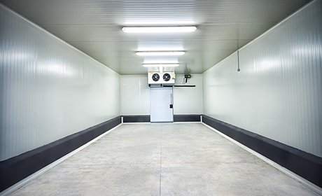 Walk-in cold room