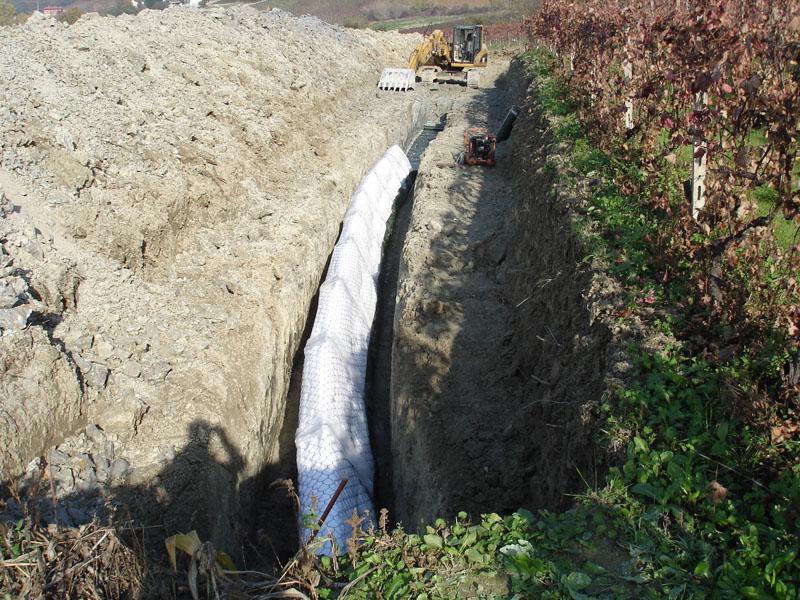 scavo nel terreno
