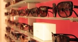 occhiali in vendita