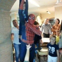 cena con spiderman