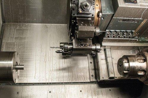delle attrezzature per la lavorazione del ferro