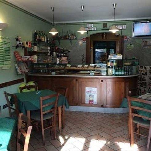 Pizzeria con Bar