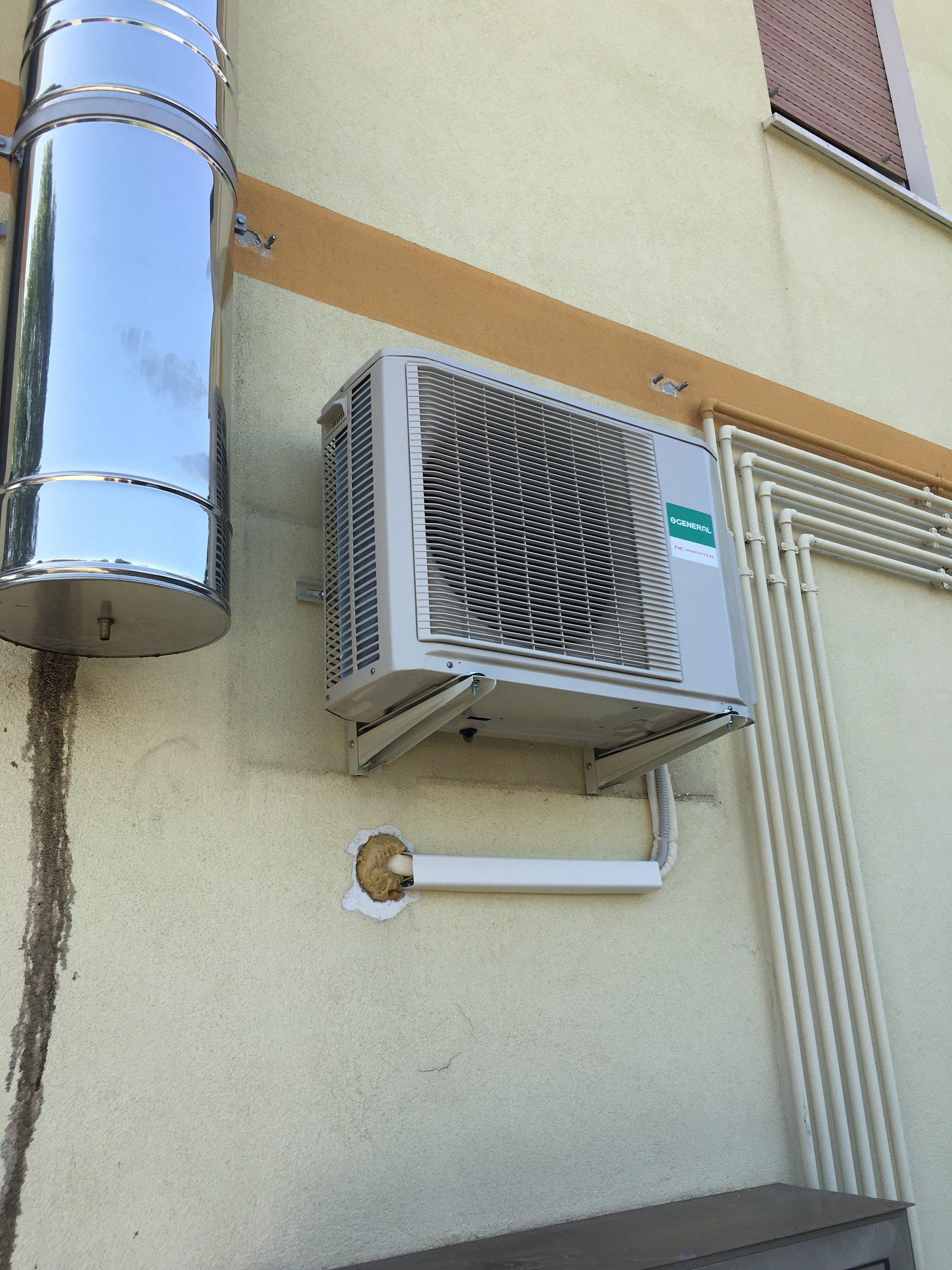 impianto di climatizzazione installato in un appartamento