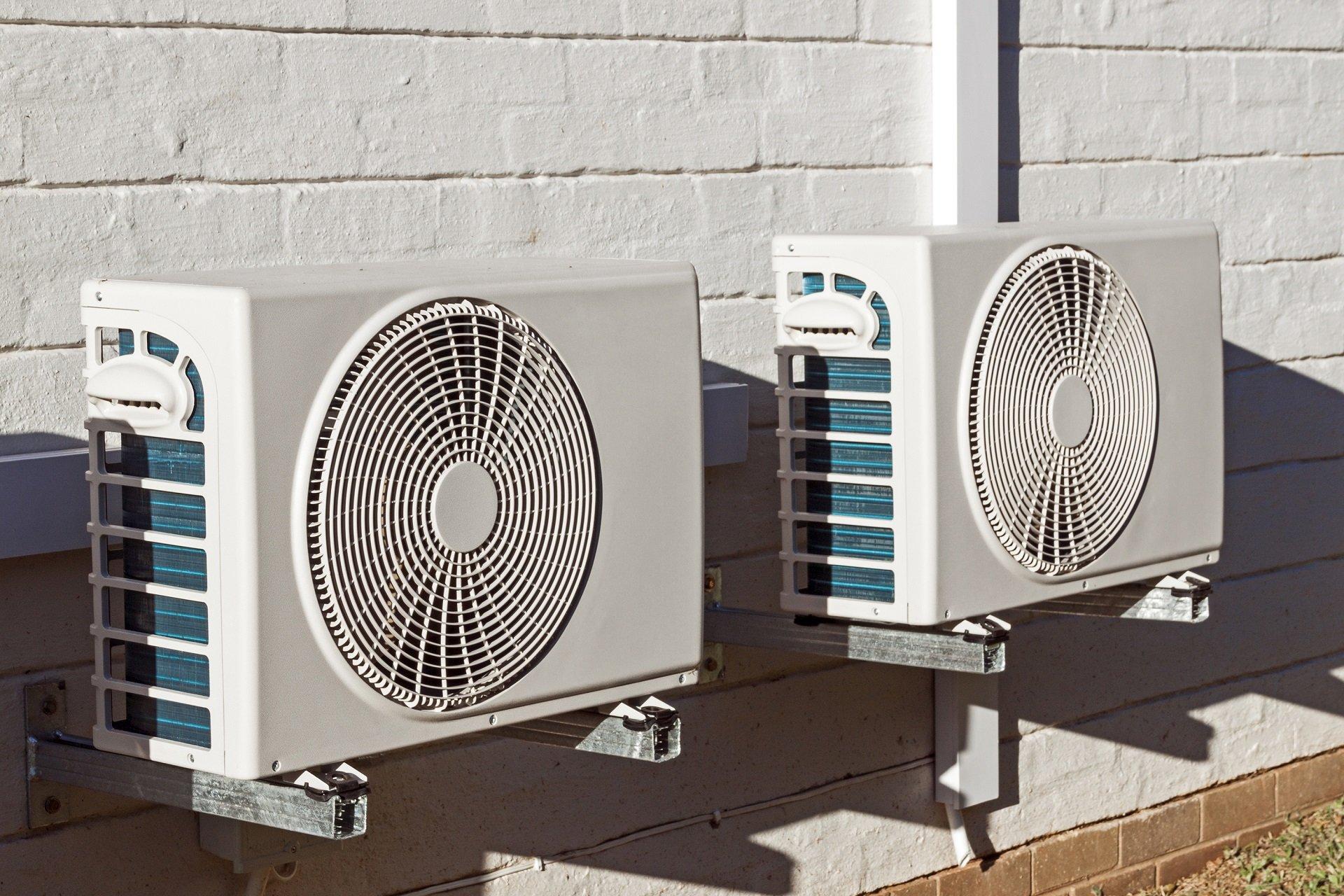 due condizionatori d'aria
