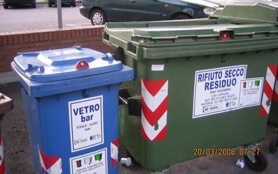 Serrature per contenitori di rifiuti