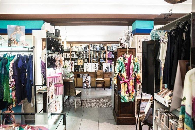 negozio abbigliamento intimo