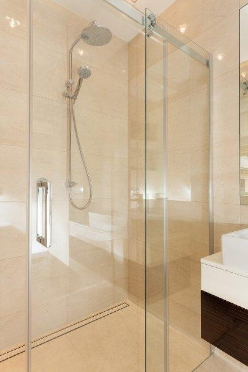 installazione e messa a misura di box doccia