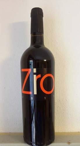 bottiglia di vino rosso ZIRO