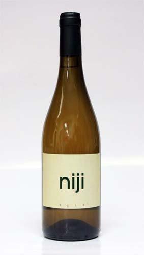 bottiglia di vino niji anno 2010
