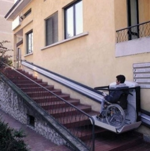 servo scala aiuto salita disabili
